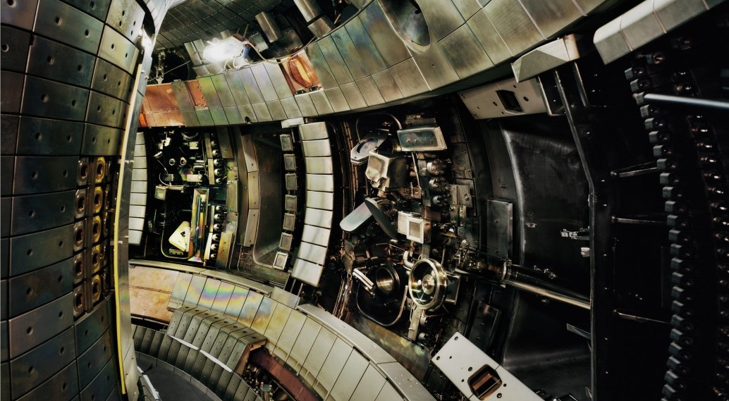 Struth---Tokamak-Asdex-Upgrade-Interior-2--